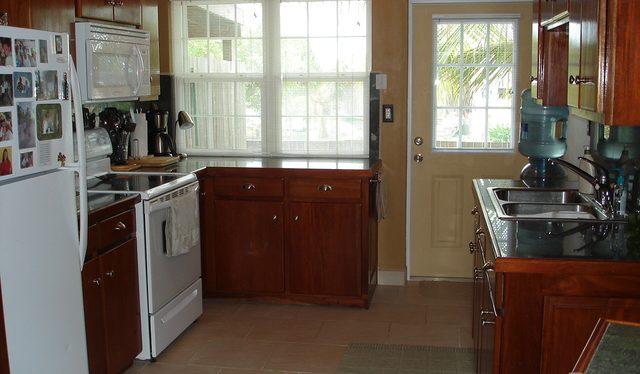 BL-2-kitchen