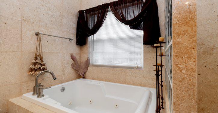 A4-Bath1-3