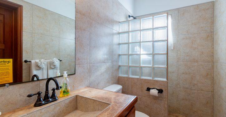 BL6-Bath2-1